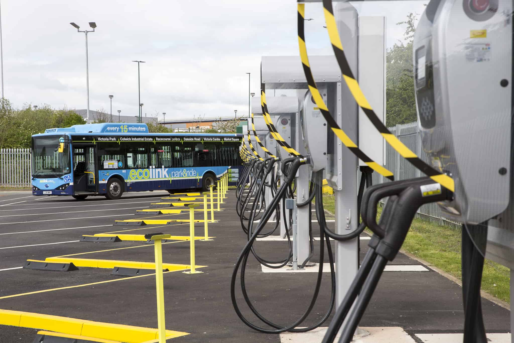 Charging points and an electric bus